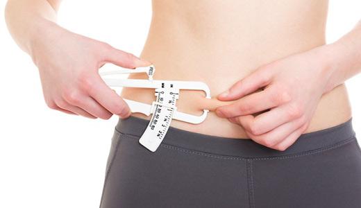 Как побороть подкожный жир на животе?