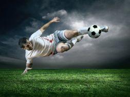 Заработать можно, делая ставки на футбол