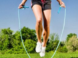 Упражнения со скакалкой для снижения веса