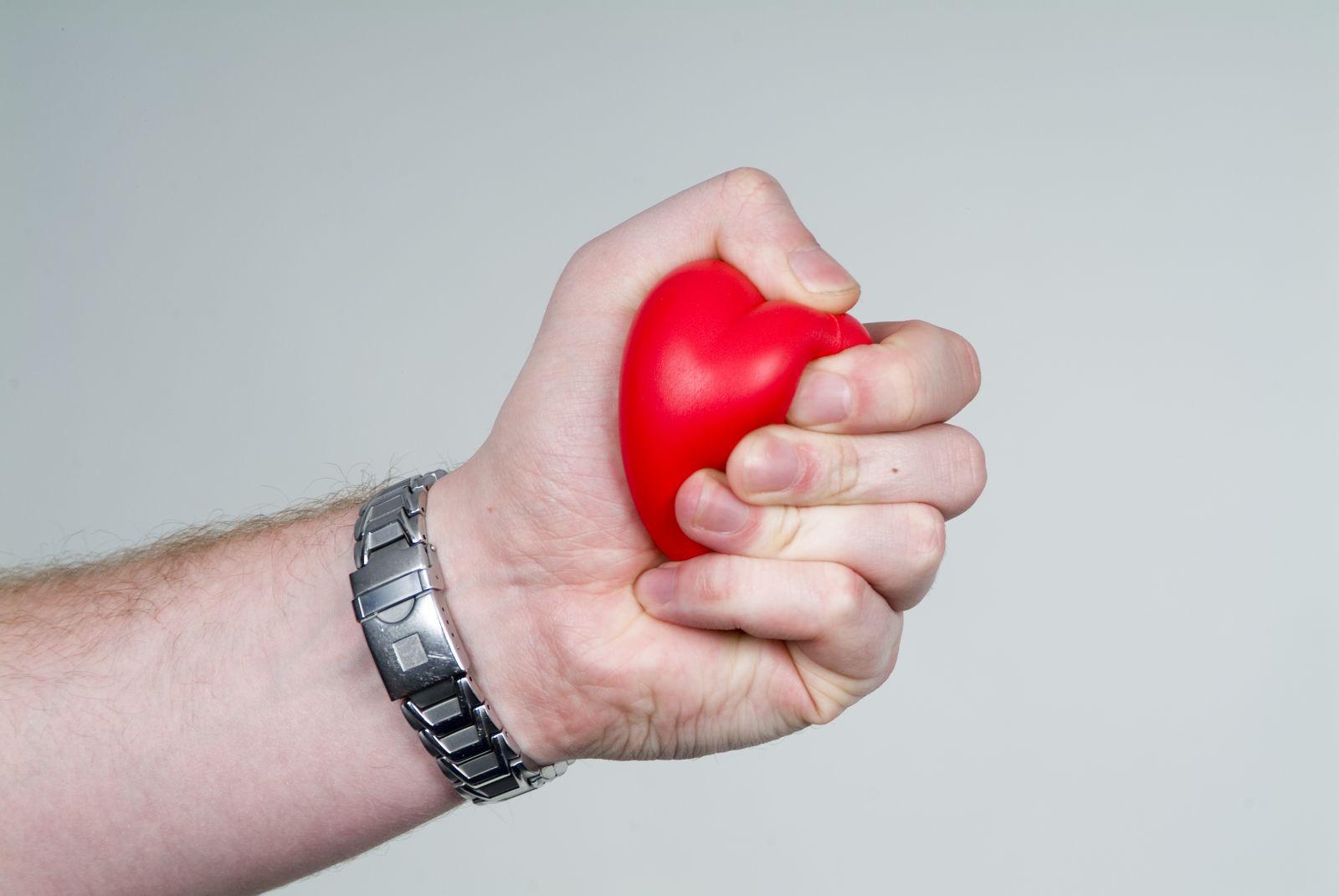 Упражнения для укрепления кистей рук
