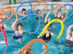 uprazhneniya-vodnoj-gimnastiki-dlya-poxudeniya