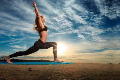 Хронический стресс? Упадок сил? Бессонница? Западные ученые: вам поможет йога!